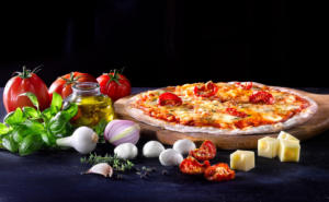 P tp 030 Studio-Prigent-Photo-Photographe-pack-packaging-detoure-alimentaire-pizza-ingredien t-lea-nature-carte-traiteur-jardin-bio-tomate-oignon-emmentale-huile-basilic